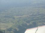 真ん中の草地が滑空場