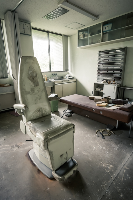 201707_abandoned_ophthalmology_clinic_37.jpg