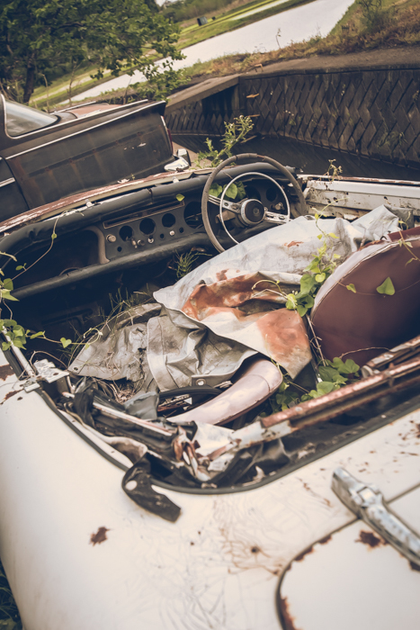 201708_abandoned_car_12.jpg