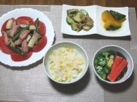 7/9 夕食 エリンギとウィンナーのにんにく炒め、きゅうりのザーサイ和え、かぼちゃ煮、あかもくの酢の物