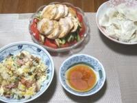 7/10 夕食 チャーハン、冷・水餃子、棒棒鶏サラダ、6Pチーズ