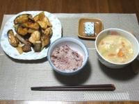 7/24 夕食 崩し豆腐の味噌ミルクスープ、鶏とナスのケチャ味噌炒め、黒米ご飯、ベビーチーズ