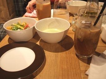 8/6 ランチ スープとサラダ ノリタケの森カフェで