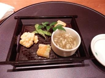7/30 3回忌会食 前菜 じゅんさい吸酢、玉蜀黍かき揚げ、長芋羹、焼き枝豆、チーズ豆腐  青柚子