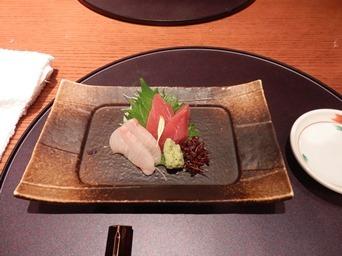7/30 3回忌会食 お造り マグロとカンパチ   青柚子