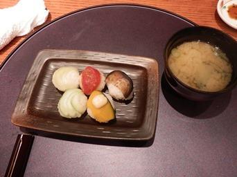 7/30 3回忌会食 〆もの 夏野菜手毬寿司と味噌汁   青柚子