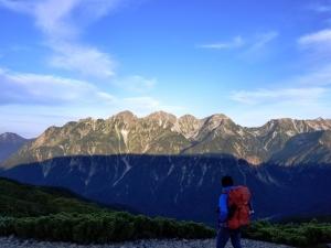 朝の蝶ヶ岳からみた穂高連峰