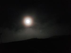 蝶ヶ岳の月