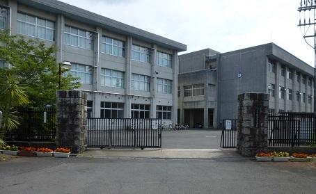 舞鶴海軍航空隊正門