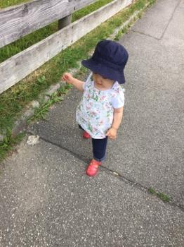1歳2ヶ月歩く