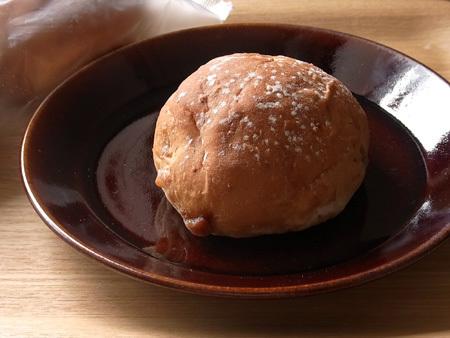 タカキベーカリー いちじくとくるみのロールパン