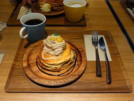 【本町コモンズ】マロンパンケーキと本日のコーヒー