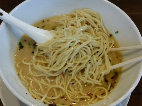 奥右衛門・H28・10 塩白湯麺 麺