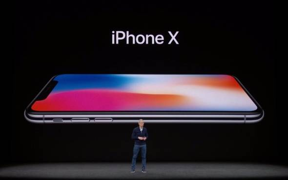 Apple_iphoneX_tim_image1.jpg