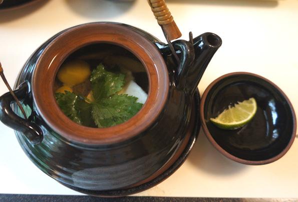 20170815 梅の花 松茸の土瓶蒸し 21㎝DSC03863
