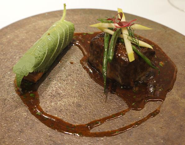 20170818 スリオラ 6 イベリコ豚ホホ舌肉のシェリー酒煮込み 21㎝DSC04220