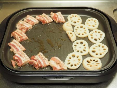 豚ばら肉とレンコンの塩焼き24