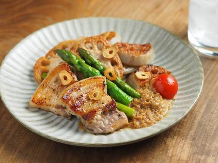 豚ばら肉とレンコンの塩焼き03