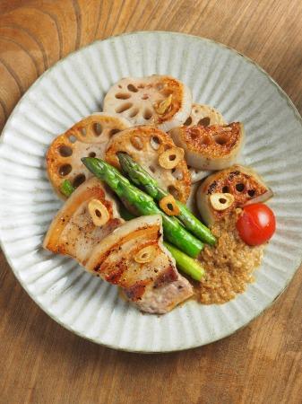 豚ばら肉とレンコンの塩焼き07