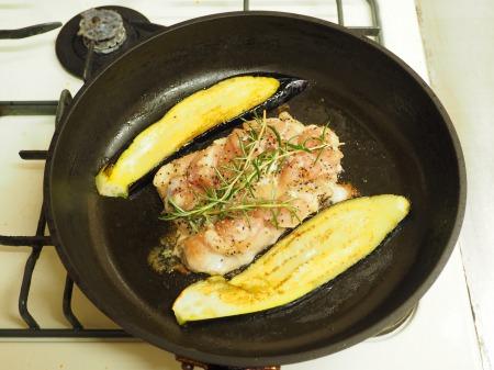 鶏もも肉と茄子のローズマリー033