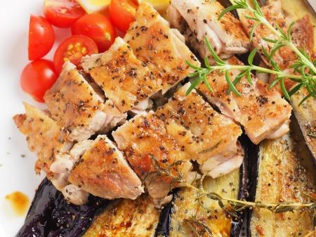 鶏もも肉と茄子のローズマリー015