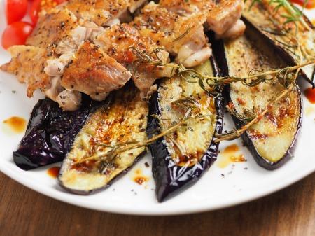 鶏もも肉と茄子のローズマリー020