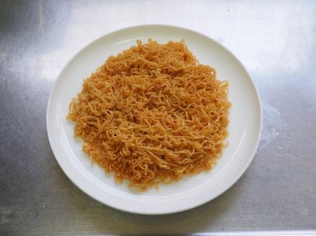 焼きチキンラーメン025