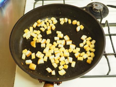 コーンスープ、手作りクルトン022