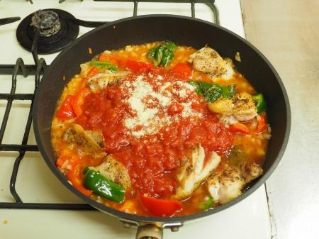 鶏もも肉のガーリックトマト煮038