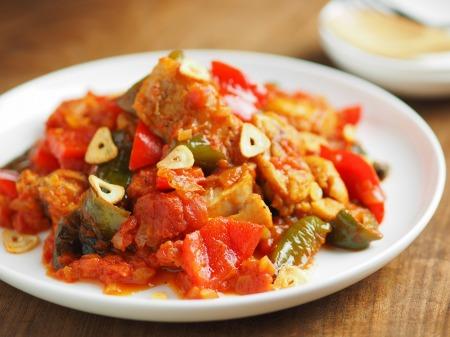 鶏もも肉のガーリックトマト煮016