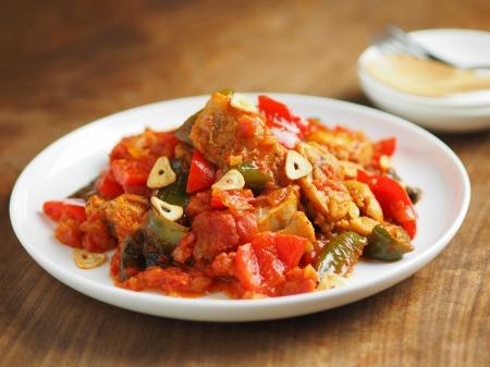 鶏もも肉のガーリックトマト煮017
