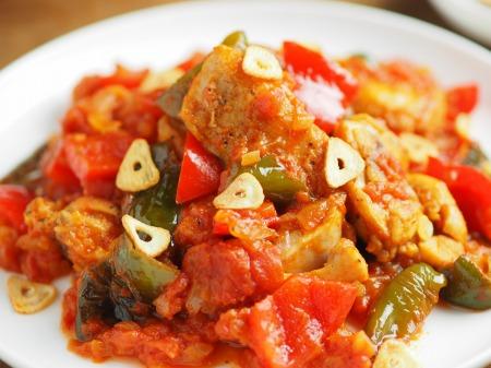 鶏もも肉のガーリックトマト煮019