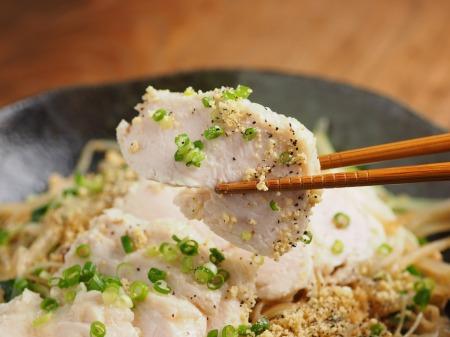 蒸し鶏焼きチキンラーメン012