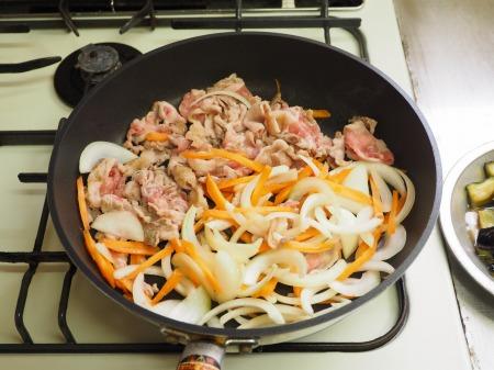 野菜たっぷり豚味噌炒め040