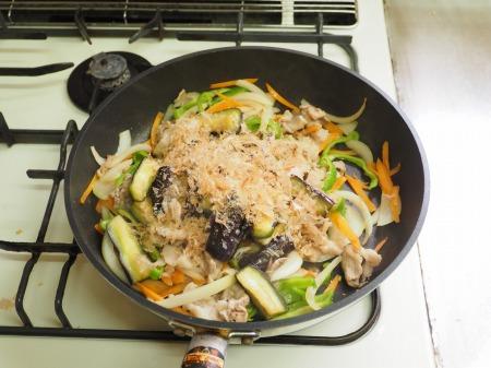 野菜たっぷり豚味噌炒め043