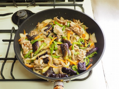 野菜たっぷり豚味噌炒め046