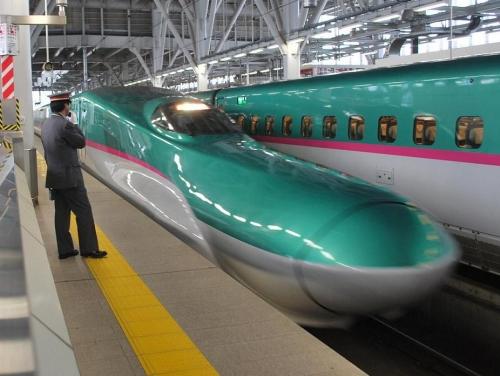 train-aomori-001.jpg
