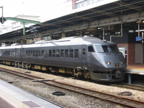 train-fukuoka-002.jpg