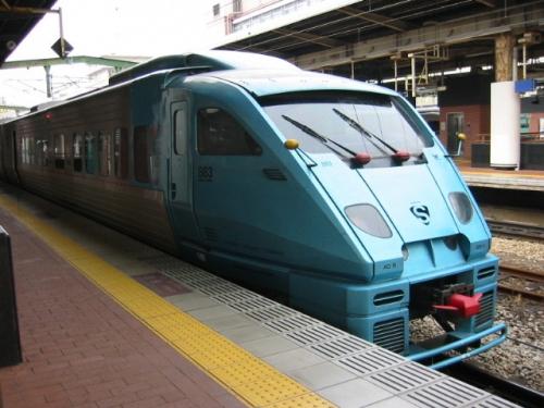 train-fukuoka-003.jpg
