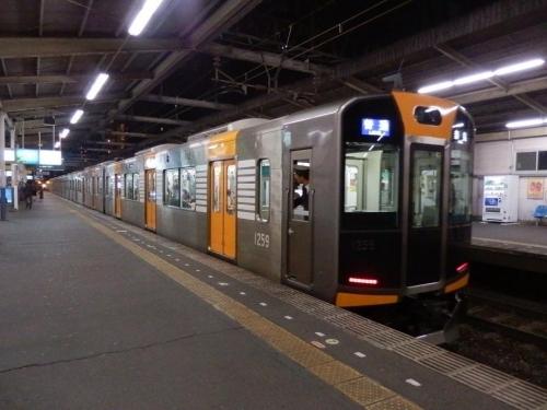 train-osaka-001.jpg