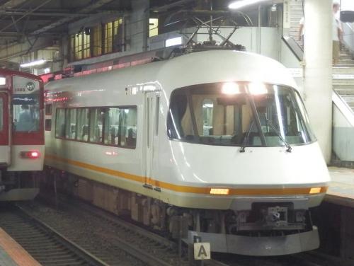train-osaka-005.jpg