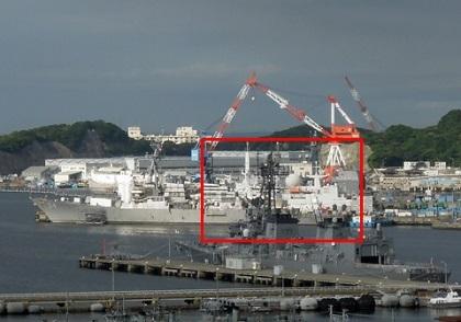 横須賀基地、謎の艦船