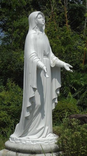 紐差教会のマリア像