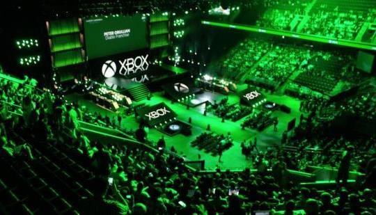 2017 E3でゲーム機戦争は終了か!?会場がXboxグリーン一色に!