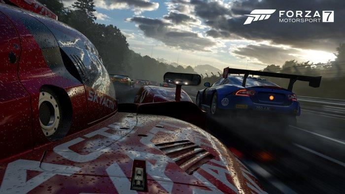Forza-7_On-Board-In-The-Race.jpg