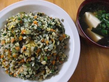 麦100%チャーハンと豆腐汁