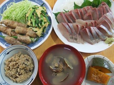 刺身、おくら肉巻、アサリ汁