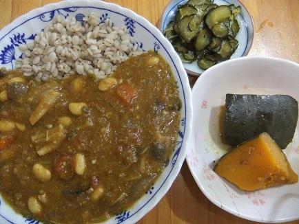 カレーライス、南瓜煮、Qちゃん