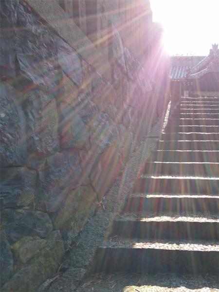 拝殿への石垣02