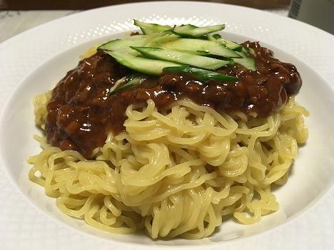 ジャージャー麺02